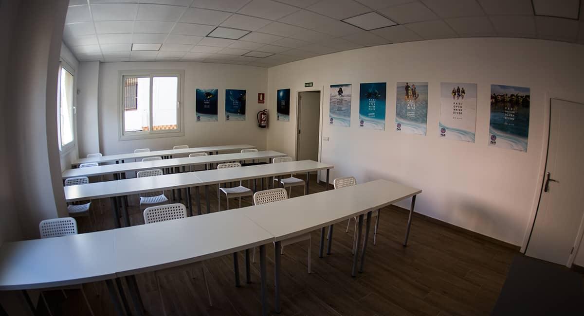 PADI Course Director - Tenerife  cl2 - PADI IDC Facilities